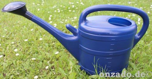 Stallgießkanne 10 Liter blau aus Kunststoff mit Brause