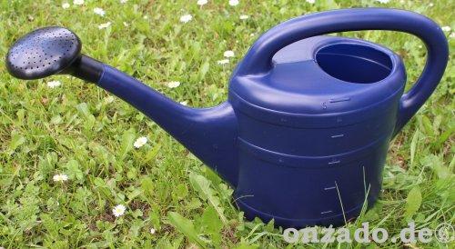 Stallgießkanne 5 Liter blau aus Kunststoff mit Brause