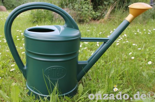 Stallgießkanne 10 Liter antikstyle grün aus Kunststoff mit Brause